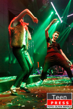 Energie, eleganta si distractie: Balul Bobocilor din George Cosbuc si Lauder Reut