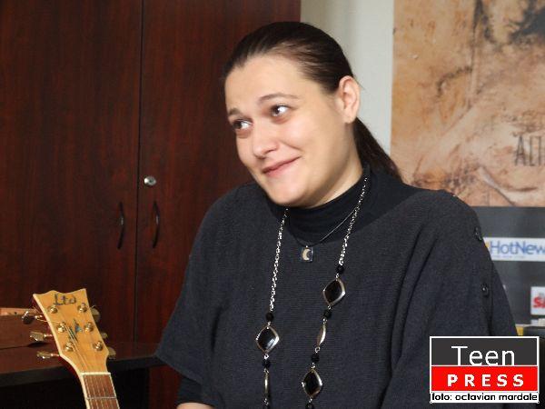 INTERVIU ALINA MANOLE FOTO OCTAVIAN MARDALE - FOST FOTOREPORTER( 600x)