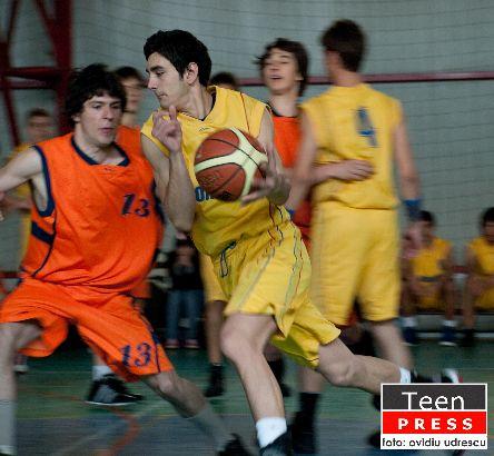 Campionatul de Baschet intre licee 2010