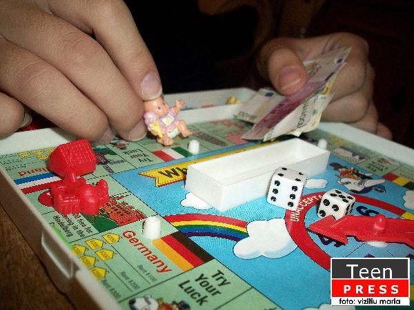 boardgames-vizitiu maria-colaborator_foto-teen_press