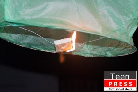 Azi lansam un lampion