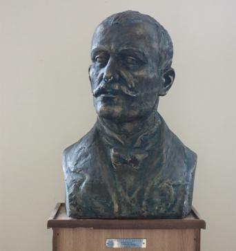 Colegiul National Ion Luca (C.N.I.L) Caragiale